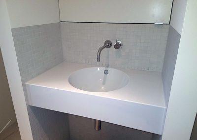Gäste WC mit stylischem Waschtisch